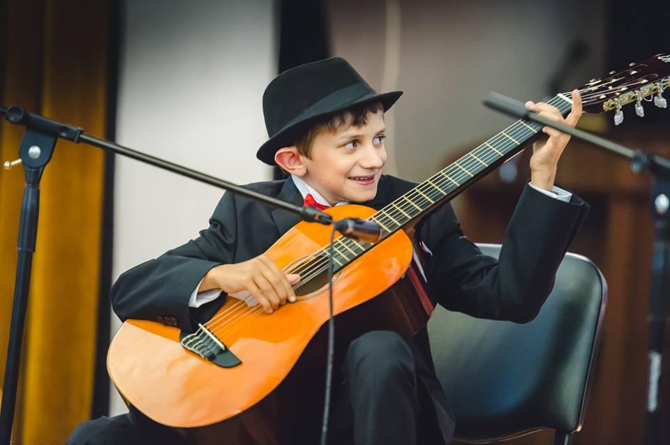 uroci po kitara za deca