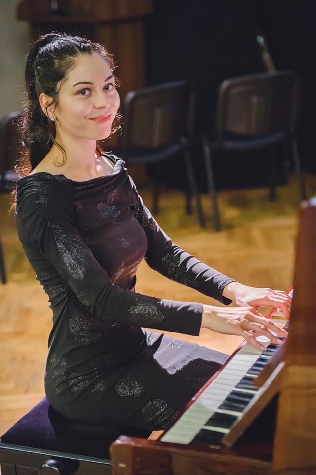 уроци по пиано за деца - Венера
