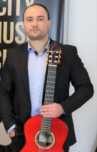 Димитър Тонев - Учител по китара в София